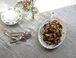 Crispy Cauliflower with Whole Cloves of Garlic