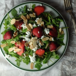 Strawberry Arugula Salad with Goat Cheese & Almonds